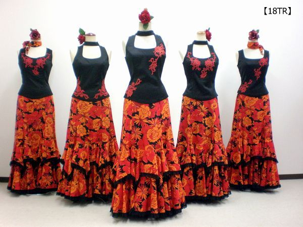 【18TR】刺繍ブラウス&艶やか花柄スカート